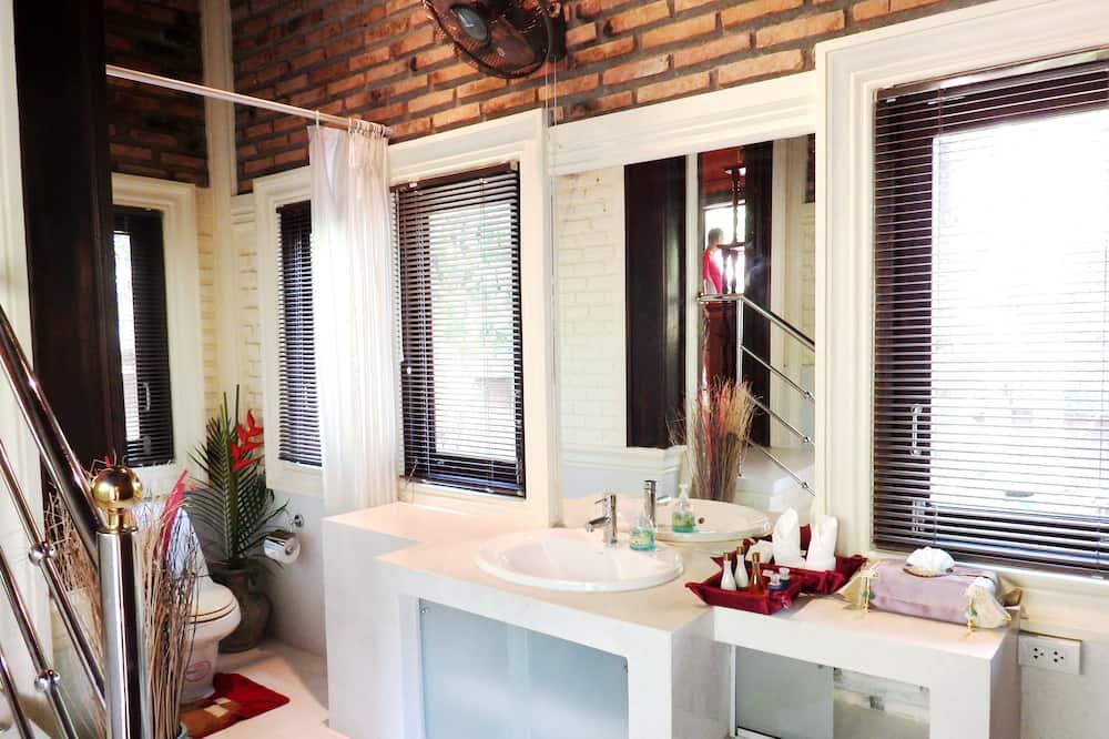Villa 2 Bedrooms with Private Pool - Bathroom