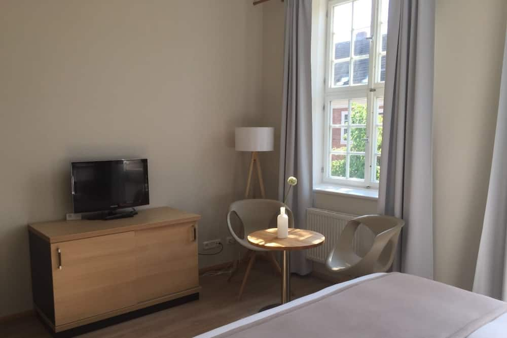 Luxury Double Room, 1 King Bed, Allergy Friendly, City View - Guest Room