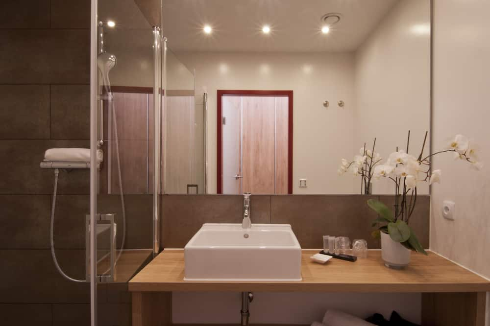 Comfort-Doppelzimmer, 1King-Bett, Nichtraucher, Stadtblick - Badezimmer