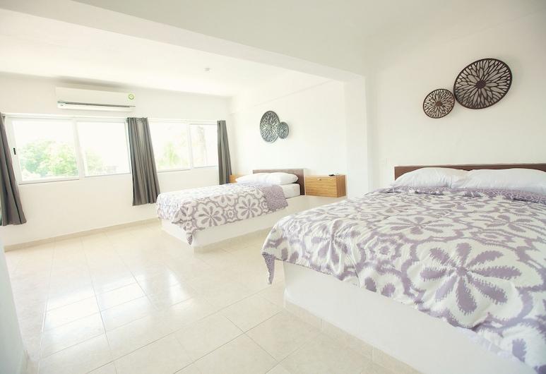 Hostelito Chetumal Hotel & Hostel, Chetumal, Habitación doble Confort, junto a la piscina, Habitación
