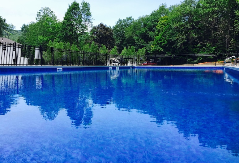Hermitage Inn, West Dover, Outdoor Pool