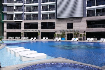 Picture of SIGLO SUITES @ The Knightsbridge Residences in Makati