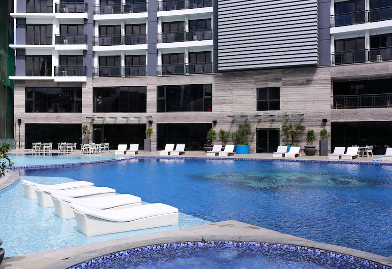SIGLO SUITES @ The Knightsbridge Residences, Makati