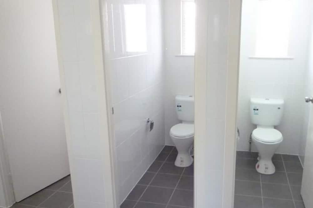Загальне спальне приміщення, тільки для жінок - Ванна кімната