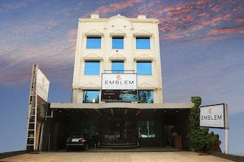 Picture of Emblem Hotel Sector 14 Gurgaon in Gurgaon