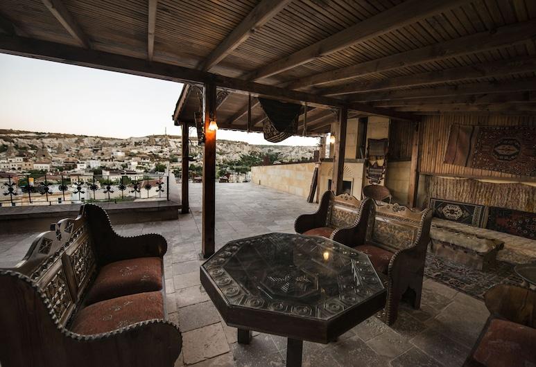 Vineyard Cave Hotel, Nevsehir, Terrace/Patio