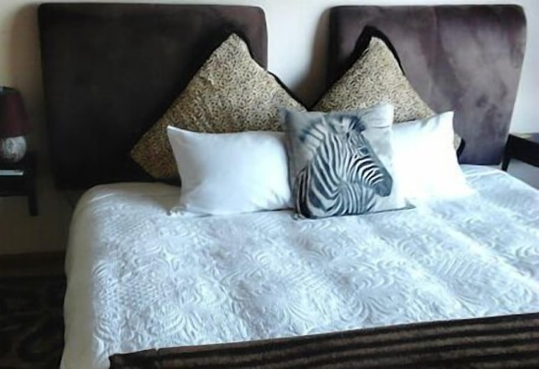 7 on Kloof, Cape Town, Standard Twin Room, 1 Bedroom (Taariq), Guest Room