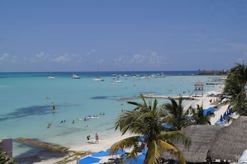 Picture of Chichis and Charlies in Isla Mujeres