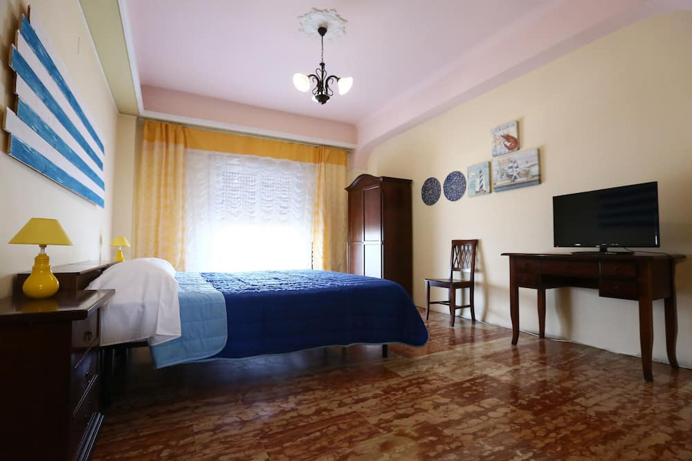 Standard Double or Twin Room, Shared Bathroom, Sea View - Guest Room