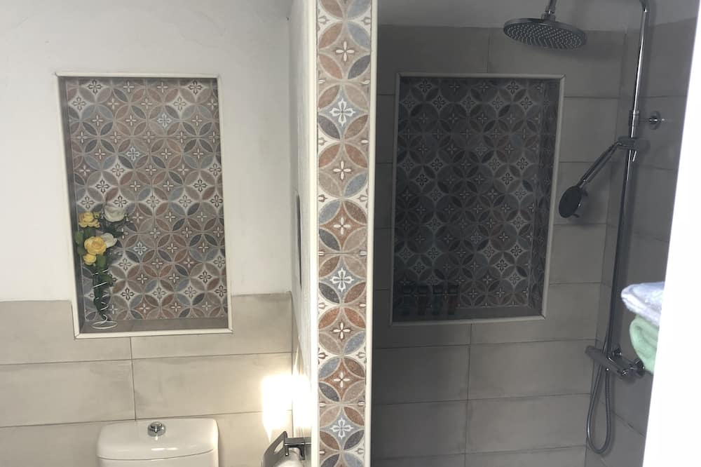 Nhà, 1 phòng ngủ - Phòng tắm