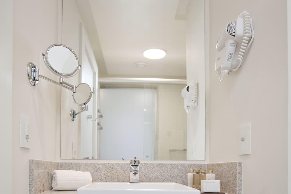 Standard Oda, 2 Tek Kişilik Yatak, Sigara İçilmez - Banyo