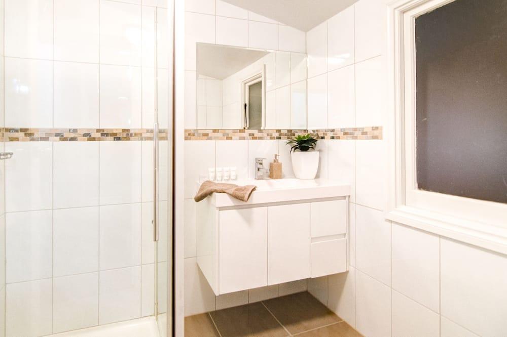 Dům typu Deluxe, 2 ložnice - Koupelna