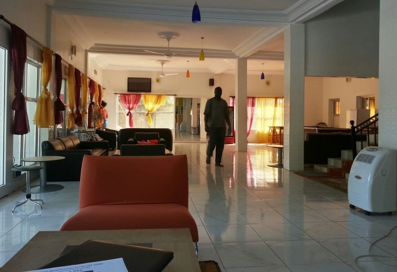 Woodpecker Resort, Banjulinding, Sala de estar en el lobby