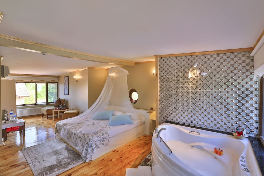 Deluxe Double Room, Balcony, River View - Guest Room View