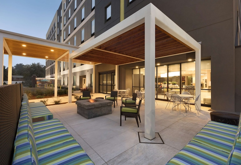 Home2 Suites by Hilton Hasbrouck Heights, Hasbrouck Heights, Taras/patio