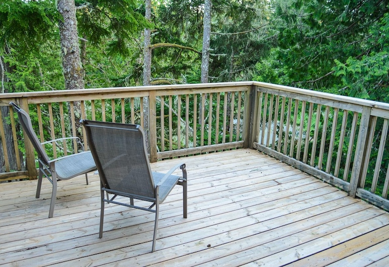 Big Tree Waterfront Vacation Rentals, Ucluelet, Taras/patio