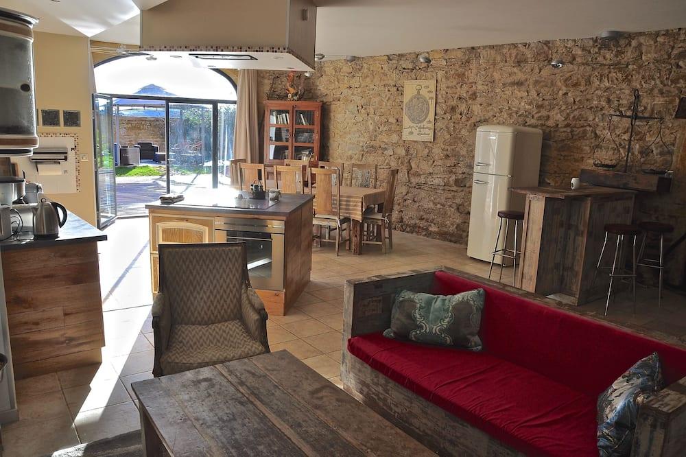 Premium-Suite, 1 Schlafzimmer, Terrasse, zum Garten hin - Wohnzimmer
