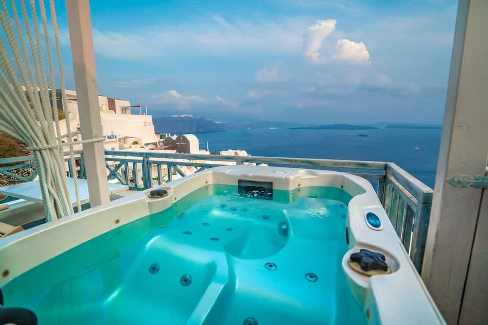 Estudio superior, bañera de hidromasaje - Balcón