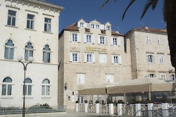 Mynd af XII Century Heritage Hotel í Trogir