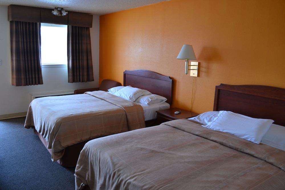 Budget Inn Suites Tishomingo Double Room 2 Queen Beds Non Smoking