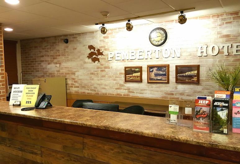 Pemberton Hotel, Пембертон, Интерьер, вход