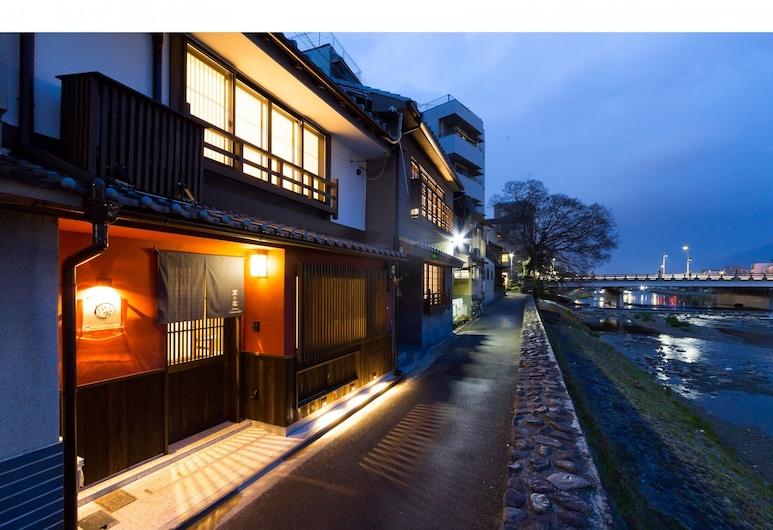 Kyotoya Kamogawa Gojo Private Villa, Kyoto