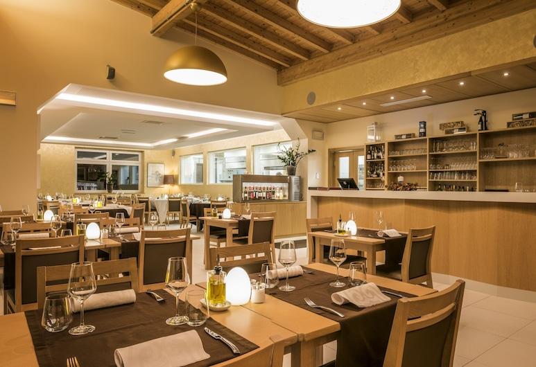 Hotel Bon Repos, Consdorf, Hotel Bar