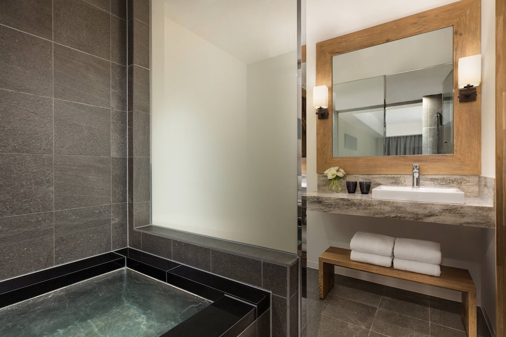 Premium Room, 1 Double Bed, Non Smoking (Hot Spring) - Bathroom