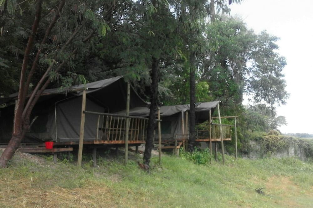 River View Tent (with Beds / Shared Ablutions) - ระเบียง