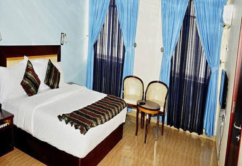 Royal Tropicana Hotel, Abuja, Mieszkanie Royal, Łóżko king, dla niepalących, widok na basen, Pokój
