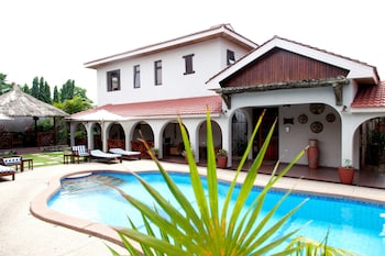 Picture of Mahogany Lodge in Accra