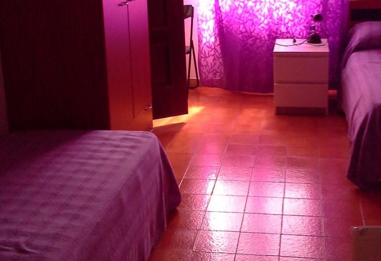 آراغوستا جيستهاوس, ألجيرو, غرفة نزلاء