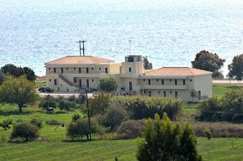 Picture of Finiki Plaza in Pylos-Nestoras