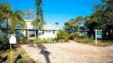 Choose This Luxury Hotel in Holmes Beach