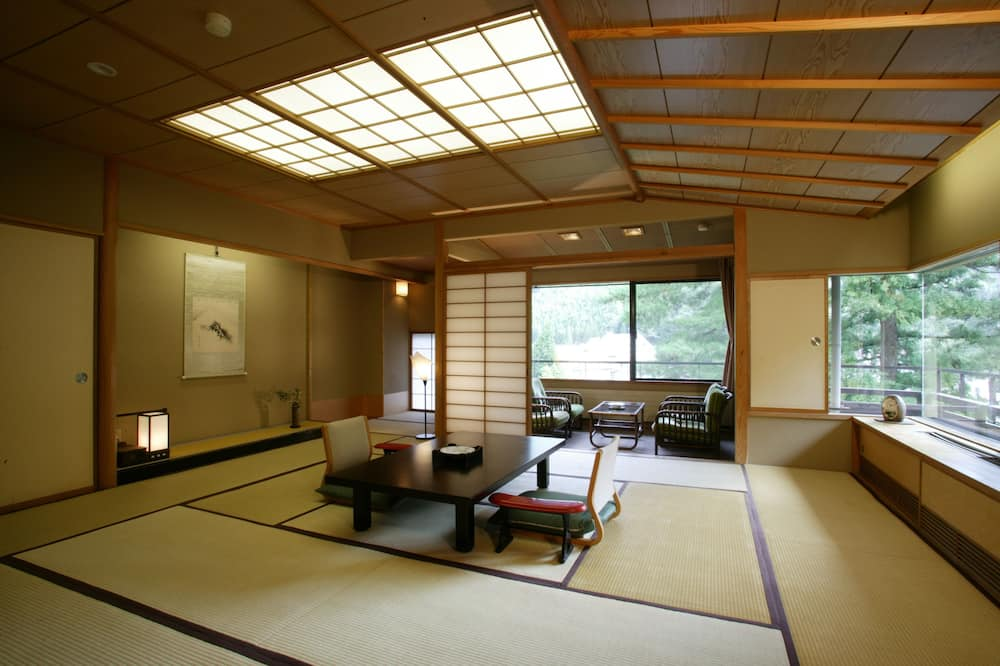 Japanese Western Style Deluxe Room, Smoking - In-Room Dining