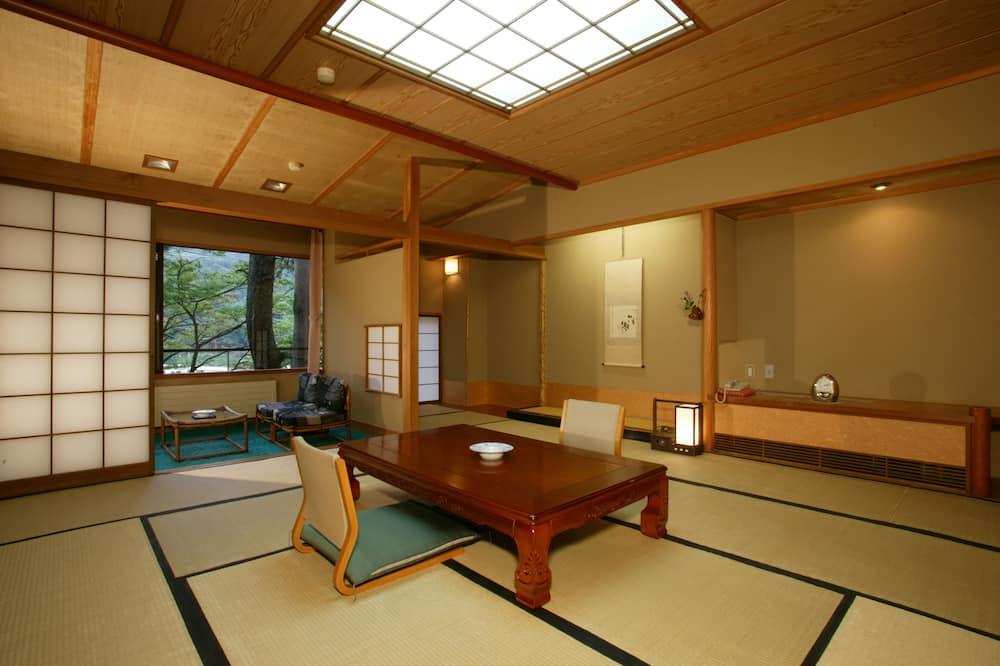 Standard Japanese Room, Smoking - In-Room Dining