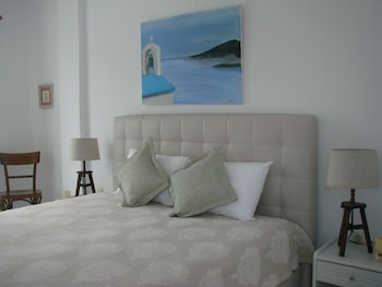 Picture of Evi Evan Hotel in Syros