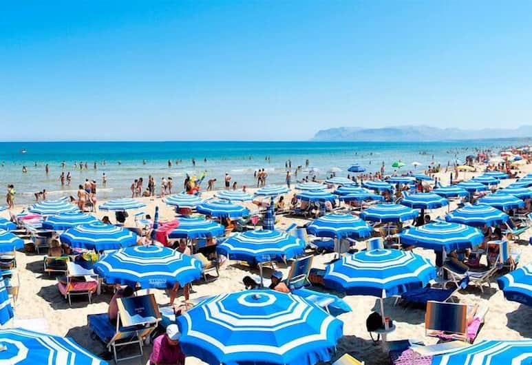 Badia Rooms & Breakfast, Castellammare del Golfo, Beach