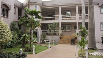 Picture of Crown Apartamento in Accra