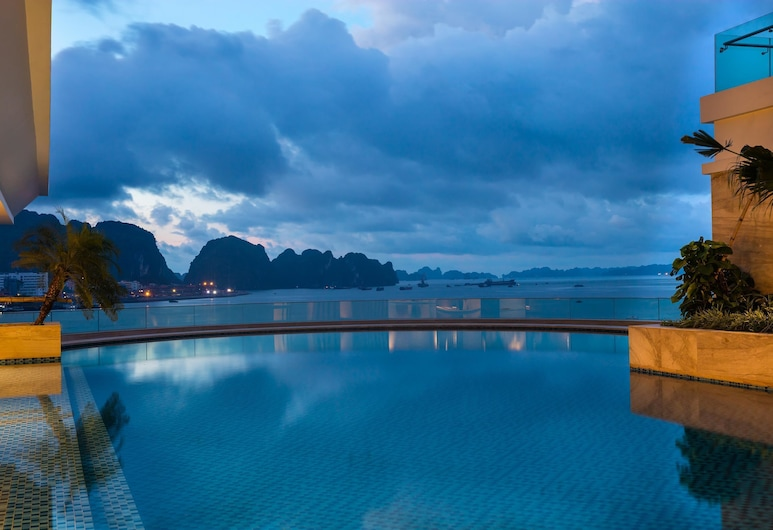 Wyndham Legend Halong Hotel, Ha Long