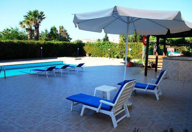Georgia Apartments, Paphos, Vonkajší bazén