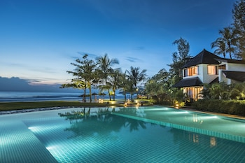 Picture of Jade Marina Resort & Spa in Gyeiktaw