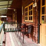 Hut Wood Bungalow - Balkon