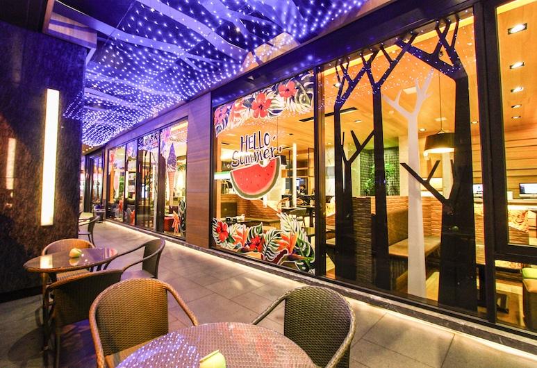 富盛商旅市政館, 台中市, 家庭客房(四小床), 室外用餐