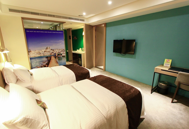 GoGo Hotel, Taichung, Family Room, Multiple Beds, Guest Room