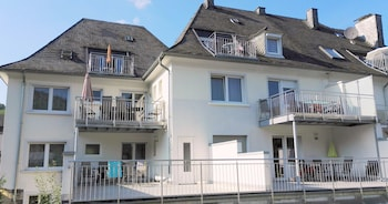 Enter your dates to get the Bernkastel-Kues hotel deal