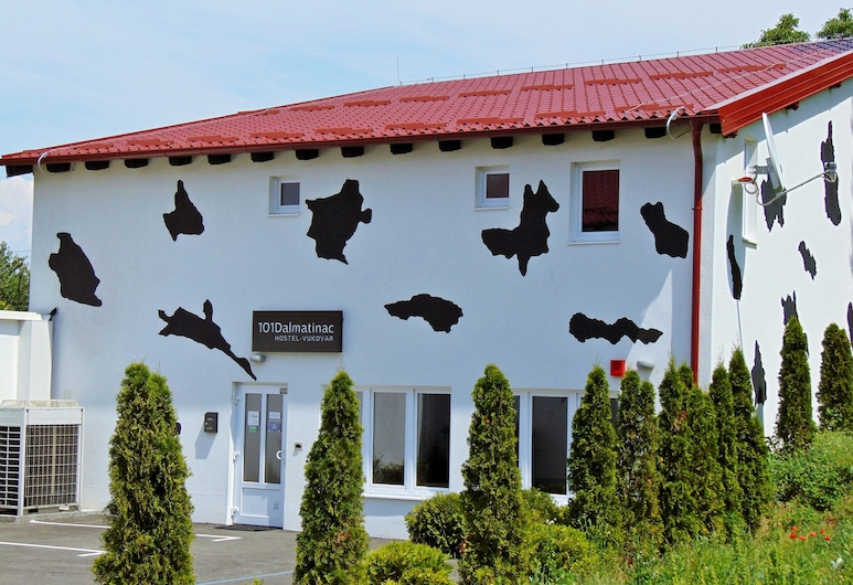 Hostel 101 Dalmatinac Vukovar, Vukovar, Entrada do Hotel