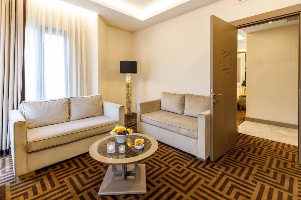 Suite familiar, 1 cama de matrimonio grande, no fumadores, en esquina (Sea View) - Sala de estar