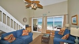 Choose This Mid-Range Hotel in Santa Rosa Beach