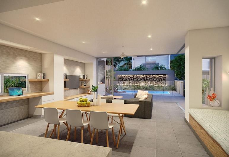 KoKo's Beach Houses, Byron Bay, Luxury House, 4 Bedrooms, Private Pool, Living Area